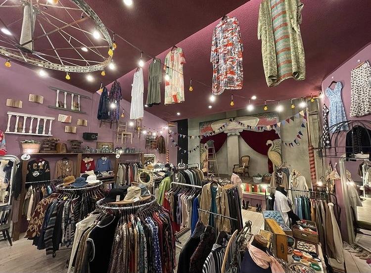 古着屋フラミンゴ京都店の内観